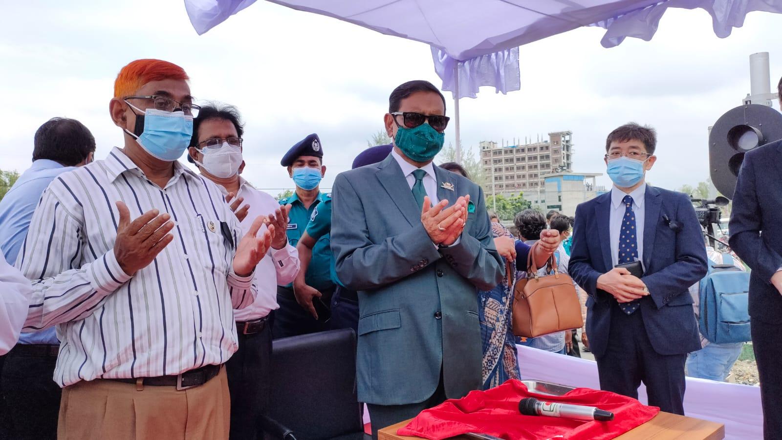 রোববার সকাল ১১ ভায়াডাক্টের উপর প্রথম মেট্রো ট্রেন চলাচল পরীক্ষণ এর আনুষ্ঠানিক সূচনা হলো